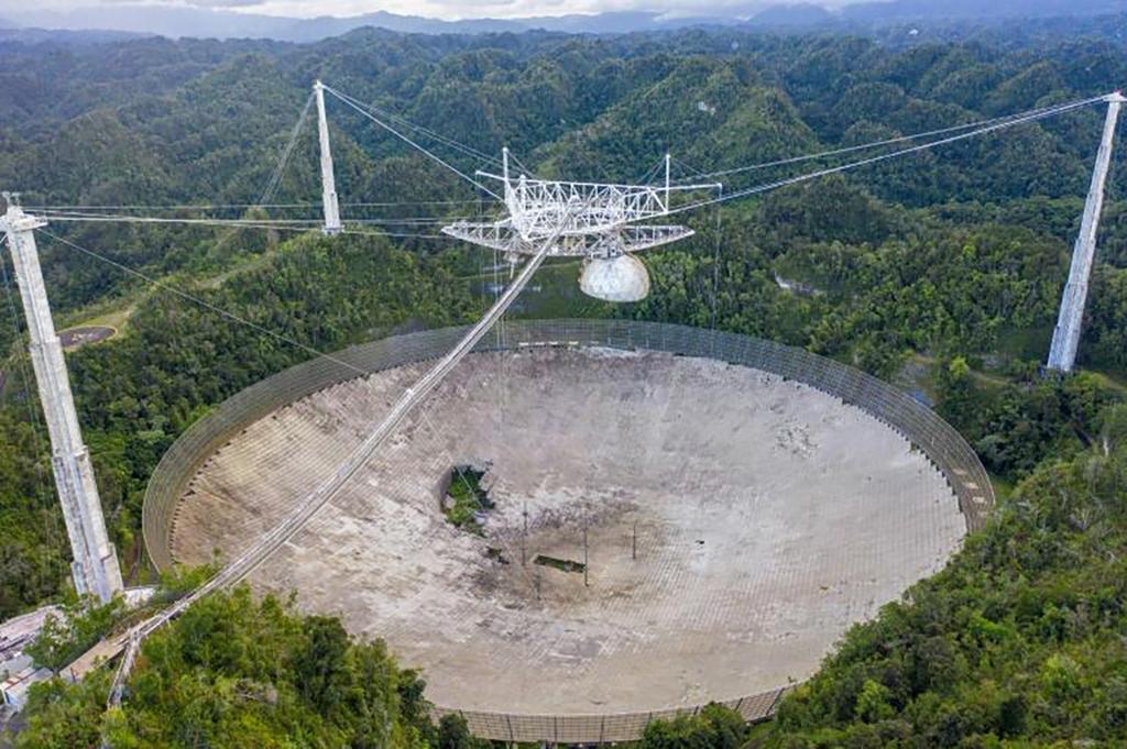 arecibo-le-telescope-le-plus-celebre-du-monde-s-est-effondre