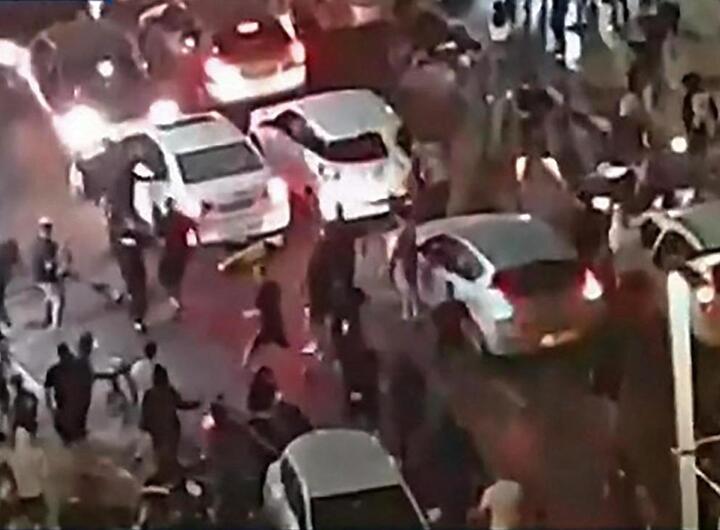 Un homme lynché à la télévision en Israël, l'escalade des violences s'accentue