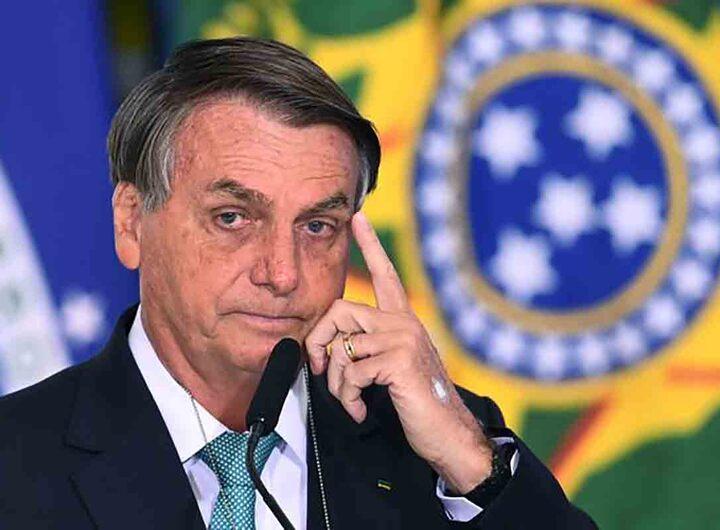 Jair Bolsonaro condamné à 108 dollars d'amende pour non port du masque