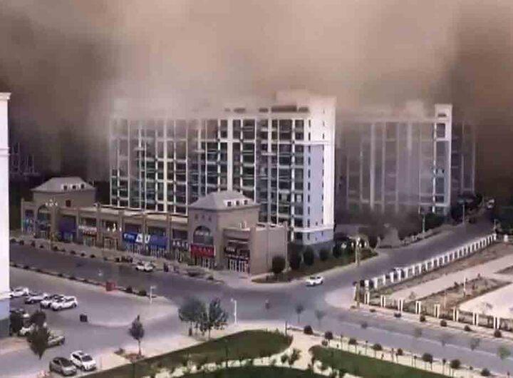 Chine: une tempête de sable engloutit complètement la ville de Dunhuang
