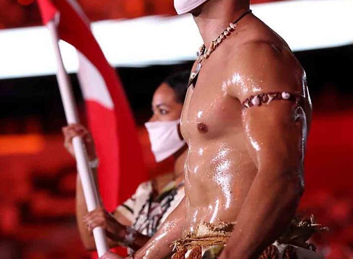 Pita Taufatofua, le porte-drapeau torse nu du Tonga, n'a pas failli à sa réputation